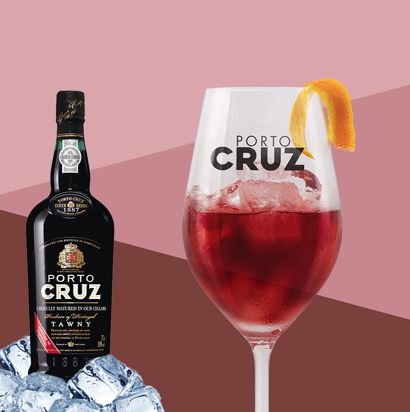 Welk simpel ingrediënt voeg je toe om op een nieuwe, verfrissende manier van Porto Cruz Fresco te genieten?